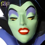 1994-Disney-Store-Sleeping-Beauty-Maleficent's-Curse-Dimensional-Collectible-Plate-009