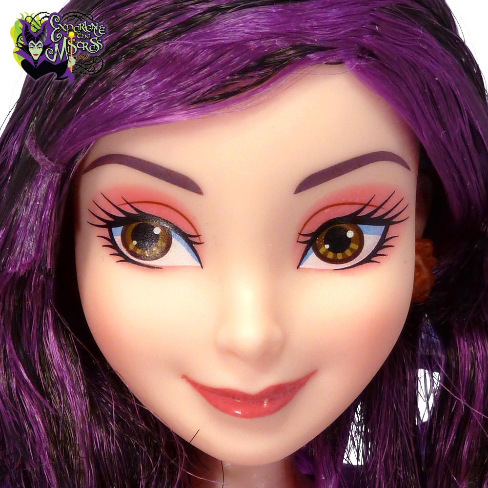 Dove cameron with purple hair looking like a cartoon 9