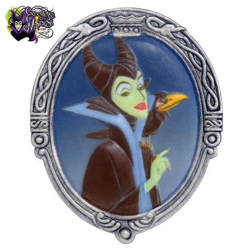 2014-disney-parks-cruse-line-olszewski-villains-pokitpals-maleficent-dragon-001